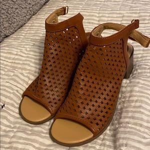 Girls Nine West heeled sandals